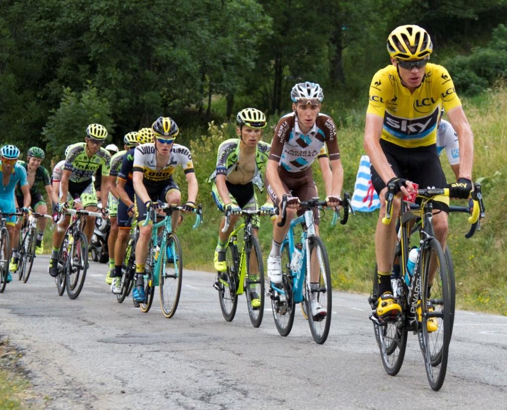 Après un succès enregistré lors de la 18e étape du tour de France, Romain Bradet a l'occasion de monter sur le podium lors des deux prochaines courses.